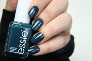 Essie satin sister Rewview & Swatches